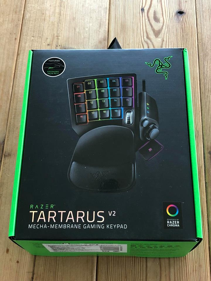 RAZER TARTARUS V2購入しました